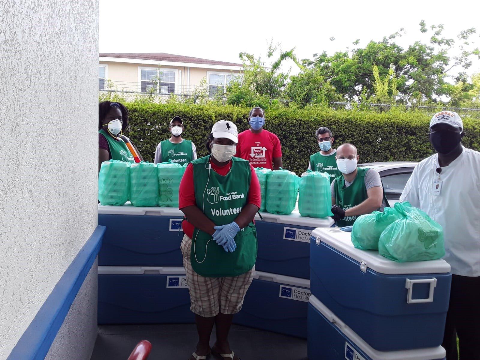cayman-food-bank-volunteers-2-9051922